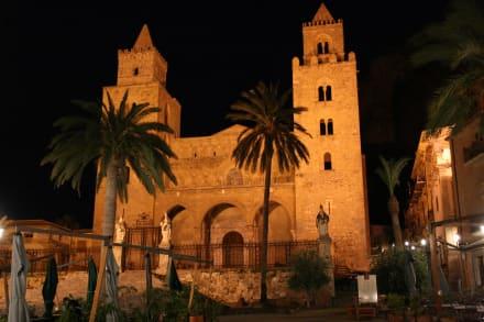 Abend im Stadtzentrum - Kathedrale von Cefalù