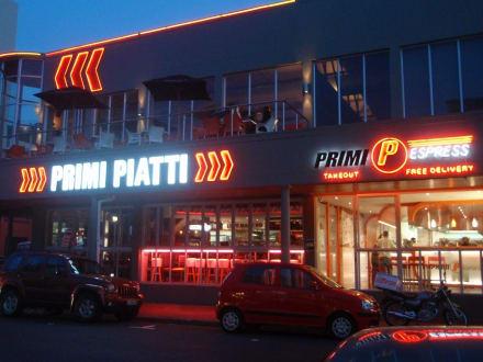 Pizzeria auf der Hauptstr. Nähe 'The President' - Zentrum Kapstadt