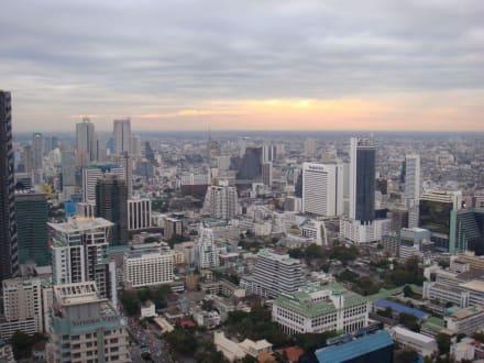 Blick vom Vertigo auf Bangkok - Vertigo Grill and Moon Bar
