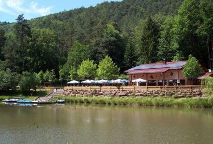 Paddelweiher Hütte mit Bootverleih - Paddelsee