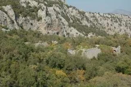 """Termessos """"schläft""""unter den Wäldern - Termessos"""