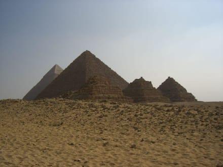 Pyramiden von ganz hinten - Pyramiden von Gizeh