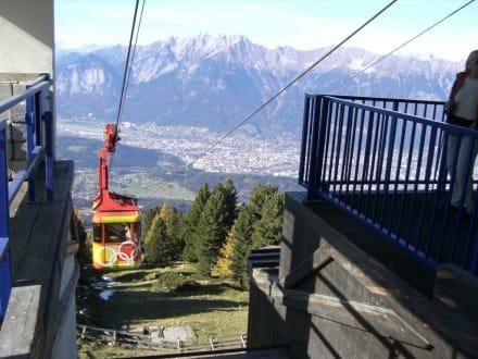 Patscherkofelbahn mit Blick auf Innsbruck - Patscherkofel