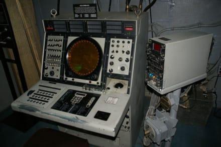 Radar in der Kommandozentrale - Flugzeugträger USS Midway