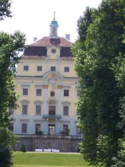 Blick zurück auf das Residenzschloss - Schloß Ludwigsburg