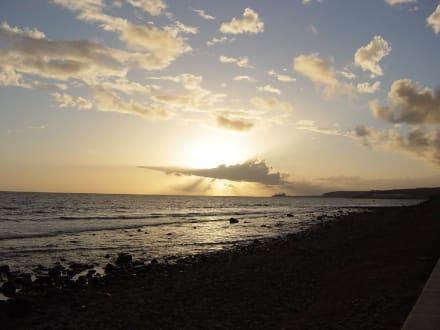 Sonnenuntergang an der Strandpromenade - Strand Playa del Ingles