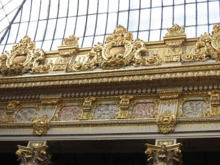 Blattgoldverzierte Säulen - Dolmabahce Palast