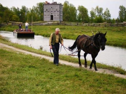 Lastkahn mit Pferd im Museumsdorf - Upper Canada Village