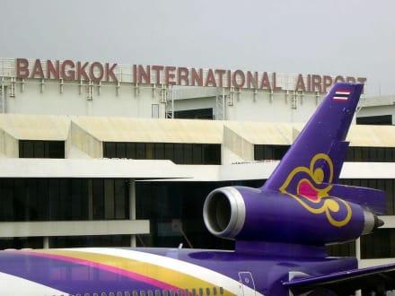 geschafft - Flughafen Bangkok-Suvarnabhumi (BKK)