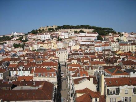 Vom Elevador zum Castelo - Elevador de Santa Justa