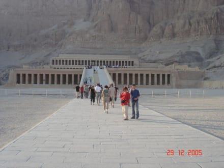 Der Tempel der Hatschepsut - Tempel der Hatschepsut