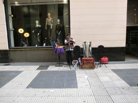 Straßenkünstler - La Florida - Einkaufsstraße