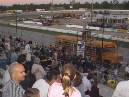 Schulbusrennen 2004 - Speedway New Smyrna Beach