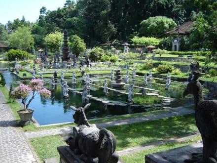 Tirtagangga - Tirtaganga Royal Pools /  Wasserpalast Taman Tirta Gangga