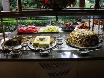 kuchen buffet bild maritim hotel club alantur in alanya kestel t rkische riviera t rkei. Black Bedroom Furniture Sets. Home Design Ideas