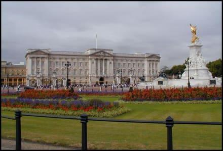 Buckingham Palace mit Victoria Memorial - Buckingham Palace