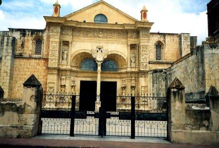 Santo Domingo,  Altstadt - Kathedrale Santa Maria la Menor