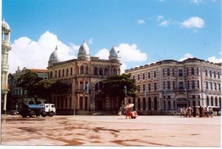 Kolonialbauten in Recife - Praca do Marco Zero