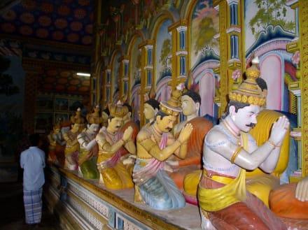 Im Tempel in Dickwella - Wewurukannala Vihara Tempel