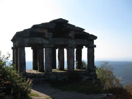 Blick auf den Tempel - Donon