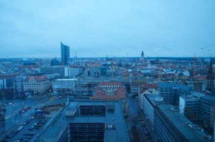 Blick auf eine Ruine - Hotel The Westin Leipzig