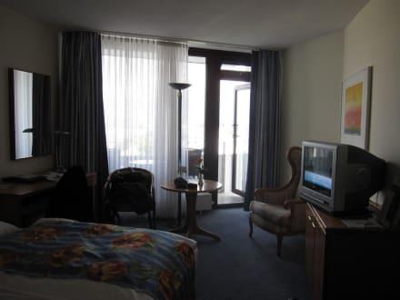 Zimmereinrichtung bild hotel neptun in warnem nde for Kurzurlaub warnemunde angebote