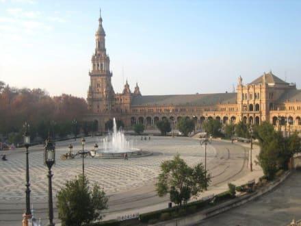 Blick aus dem Treppenhaus - Plaza de Espana