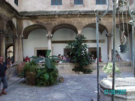 im Klostergarten - Kathedrale La Seu