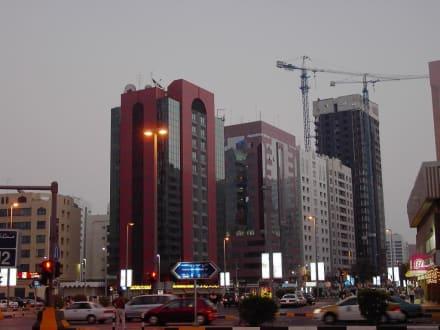 Big City Lights - Skyline Abu Dhabi