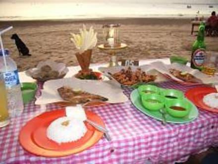 Romantisches Abendessen in Jimbaran - Seafood Restaurants am Jimbaran Strand