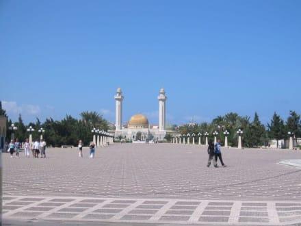 Monastier-Mausoleum  - Tour & Ausflug