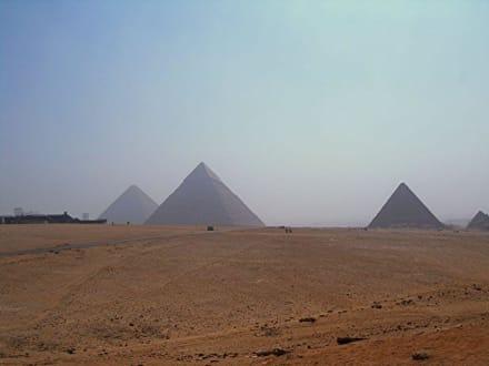 Blick auf die Pyramiden - Pyramiden von Gizeh