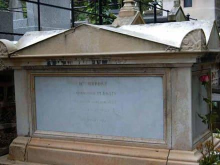 Grabmal der Alfonsine Plessis- Die Kameliendame - Père Lachaise