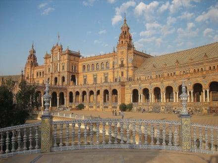Mittelteil des Gebäudes - Plaza de Espana
