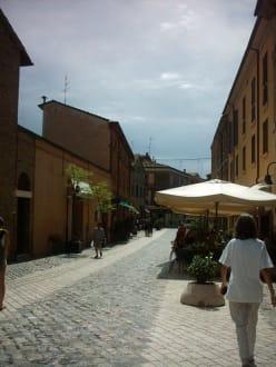 Einkaufen und Essen in Ravenna - Altstadt Ravenna