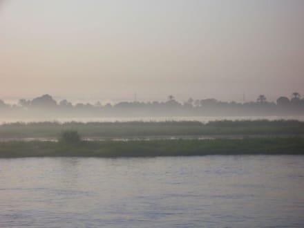 Morgennebel auf dem Fluß in Edfu - Nil