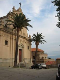 Kirche im Ortskern - Altstadt Nicotera