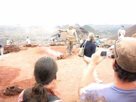 Timanfaya, Experiment mit dem Wasser - Nationalpark Timanfaya (Feuerberge)