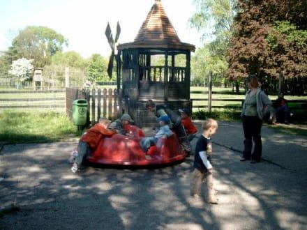 Spielplatz am Russisichen Teehäuschen - Wildpark Leipzig