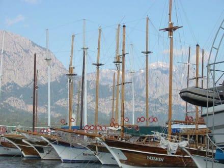 Hafen von Kemer - Yachthafen Kemer