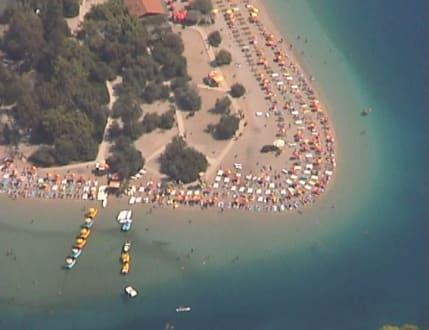 Luftaufnahme Ölüdeniz Lagune - Naturschutzgebiet Blaue Lagune