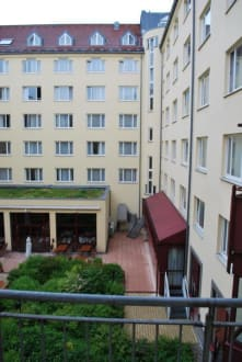 Ausblick aus unserem Zimmer - TRYP München City Center Hotel