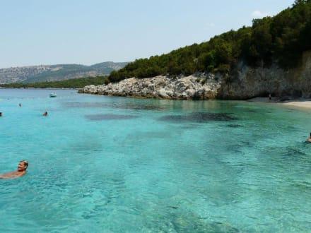 Nisida Mourtus - Blaue Lagune