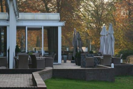 terrasse und wintergarten restaurant bild hampshire. Black Bedroom Furniture Sets. Home Design Ideas