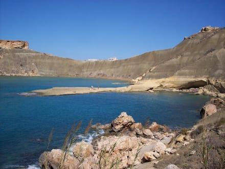 Blick in Richtung Ghajn Tuffieha Bay (dahinter) - Strand Golden Bay