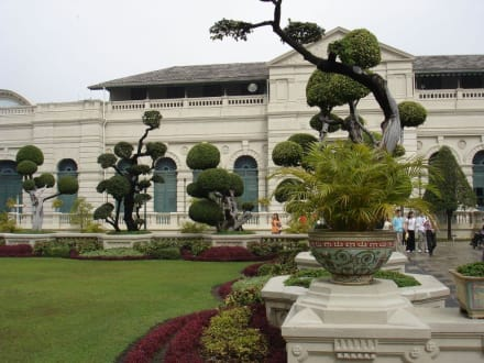 Gartenkunst - Wat Phra Keo und Königspalast / Grand Palace