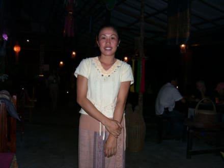Liebevolle Bedienung - Takieang Restaurant