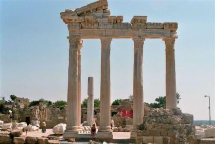 Tempel von vorne - Apollon Tempel