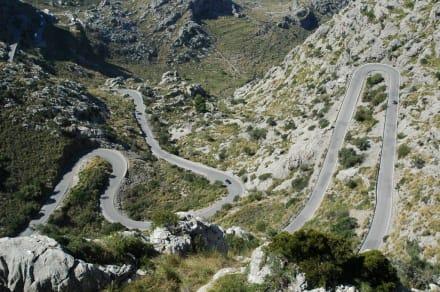 Ausblick auf die Strasse nach Sa Calobra - Serpentinenstrasse
