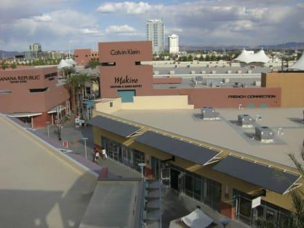 Market/Bazaar/Shopping center  - Las Vegas Premium Outlets
